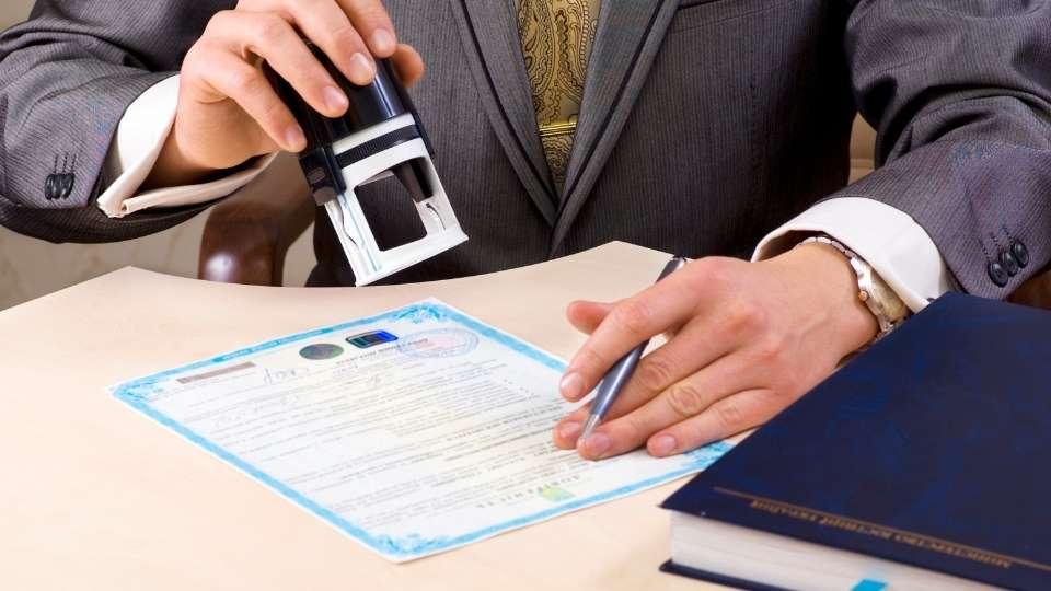 traducció de certificats: naixement, divorci, empadronament, etc.