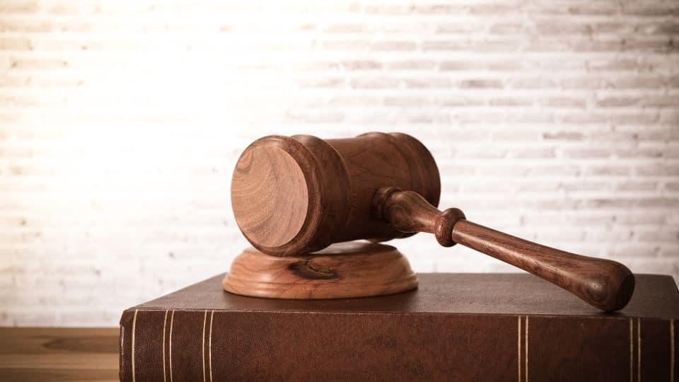 Legalitzar i traduir un document